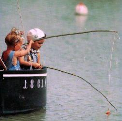 petits pêchent dans treizour 250x273